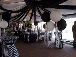 Afbeeldingsresultaat voor black and white party decorations