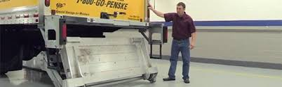 liftgate instructions penske truck rental user stowing the liftgate