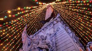 Indianapolis Monument Circle Tree Lighting Will You Be Going Circle Of Lights Tree Lighting Visit