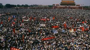 30. rocznica masakry na placu Tiananmen - TVN24