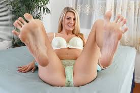 Showing Porn Images for Feet in bed porn www.handy porn
