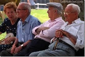 Resultado de imagen para grupos de ancianos