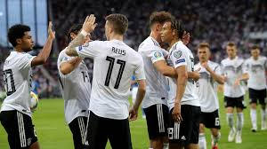 Maybe you would like to learn more about one of these? Weltrangliste Dfb Team Klettert Auf Platz Elf Dfb Deutscher Fussball Bund E V