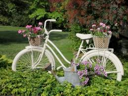 How to 'plant' an old bicycle in your garden...Annie Steen's