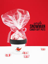 diy simple snowman candy gift pots perfect for a holiday party favor or secret santa