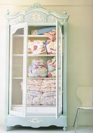 9 best Ideas For Storing Quilts images on Pinterest | Bedrooms ... & Lovely Way To Store Quilts Adamdwight.com