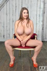 Big boobs solo naturals
