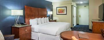 Nashville Hotels With 2 Bedroom Suites Doubletree Nashville Downtown Tennessee Hotel