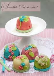 Baking Swedish Prinsesstårta Cupcakes Daring Bakers Serve Up