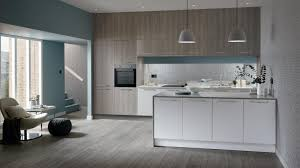Light Grey Kitchen Walls With Oak Cabinets Greenwich Light Grey Oak Kitchen Fitted Kitchens Howdens