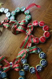 Decorated Bottle Caps Easy Recycled Christmas Decorations and Ornaments Beer bottle 49