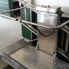 Savaria Commercial Straight Rail Inclined Wheelchair Lift