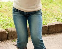 「股関節痛 女性 無料画像」の画像検索結果