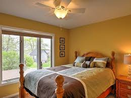 wolcott port bay lakehouse book for fall foliage in wolcott hotel rates reviews on orbitz