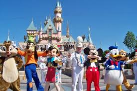 Resultado de imagem para Disneylandia