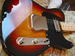 xhefri s guitars made in fenders they come stock a 3 way switch a vintage tele bridge pickup same pickup fender uses on their 62 reissues and a fender atomic him bucker in the