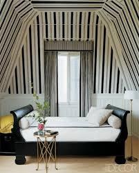 Kreative ideen für schlafzimmergestaltung mit cooler abstelfläche für kleidung. 23 Coole Deko Ideen Ihre Decken Mit Streifen Zu Schmucken