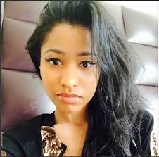 people seem to think nicki minaj looks beautiful just beacuse of her makeup and hair nicki has decided to show the world pretty she is without those heavy