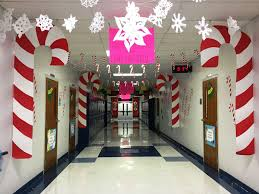 Christmas office decorating Frozen Christmas Decoration Ideas For Office With Candy Cane Quotemykaamcom Top 31 Christmas Office Decorations Ideas To Style Your Workplace