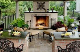 outdoor fireplace vs outdoor fire pit
