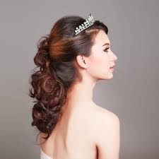 Flower Girl Hairstyles 19 Looks For Entourage Parties Of All Ages