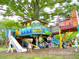 inside kids tree houses. Benjamin Jones\u0027 Technicolor TreeHouse Returns To Governors Island [PHOTOS] Inside Kids Tree Houses