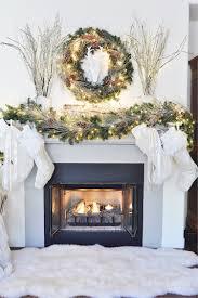 Amazing christmas fireplace mantel decoration ideas Apartmanidolores Mantle Decorations Beautiful Fireplace Mantels Decorated For Christmas Amazing 20 Best Decoist Mantle Decorations Beautiful Fireplace Mantels Decorated For