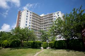 Scarborough+apartments+for+rent%2c+4000+lawrence+ave+