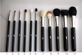 their uses the 11 brushes prising the featherstroke 39 s plete makeup brush set