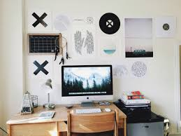 Let's Struggle Together, radio-dreams: I love my dorm room so much.