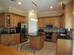 Kitchen Paint Colors With Oak Cabinets And Dark Countertops