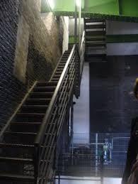 Für hamburger und für touristen ist der hamburg michel acht stunde wer fit ist, kann die treppen wählen um zur aussichtsplattform zu kommen, die wiederum 106 meter über der elbe ist. Treppe Auf Den Turm Bild St Michaelis Michel In Hamburg