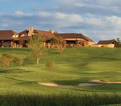 wildhorse golf course and wildhorse grill in a active munity in texas