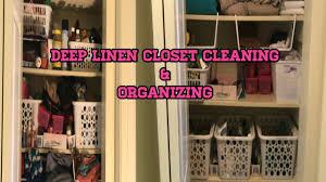 deep cleaning linen closet organizing 2018
