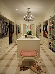 Chilled Ideas of Huge Walk-in Closet to Mark Your Day – Decohoms