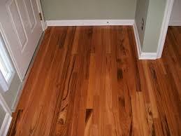 installing hardwood floors video lowes