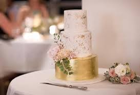 distressed gold wedding cakes and antiqued effects tutorials