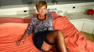 Mature Horny House Wife