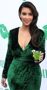 the same goes for pure colors such as green since she is above all deep all deep greens will be great