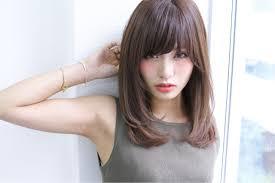 女子のモテる髪型はずばりミディアムレイヤー人気のヒケツに迫ります