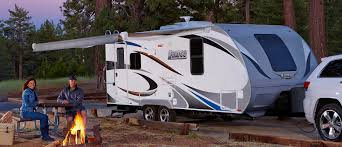 Small Picture Travel Trailers vs Fifth Wheels