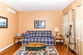 peach bedroom paint peach paint color for living room on living room carpet wooden peach wall peach bedroom paint living room wall color