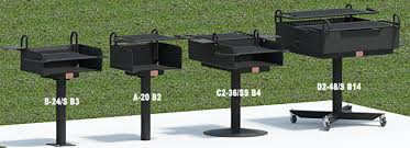 grills with infinitely adjule cooking grates