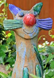 nature art sculpture colorful garden outdoor cat