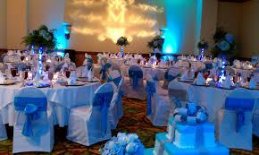 White Rose Centerpieces For Weddings Stylish White Wedding Cake