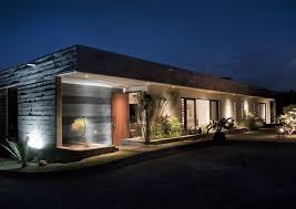 rectangular-concrete-house-rethink-2.jpg
