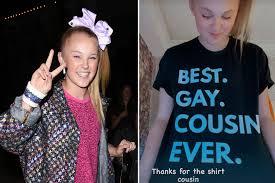 JoJo Siwa wears 'best gay cousin' shirt ...