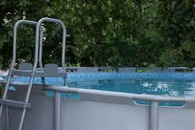 ladder above ground pool