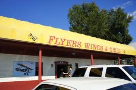 flyers orlando flyers wings and grill west orlando tasty chomps orlando food blog