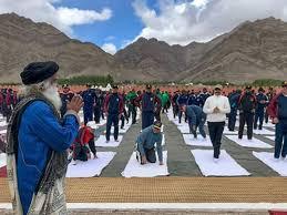 sadhguru jaggi vdev to train solrs in yoga at siachen base c the economic times